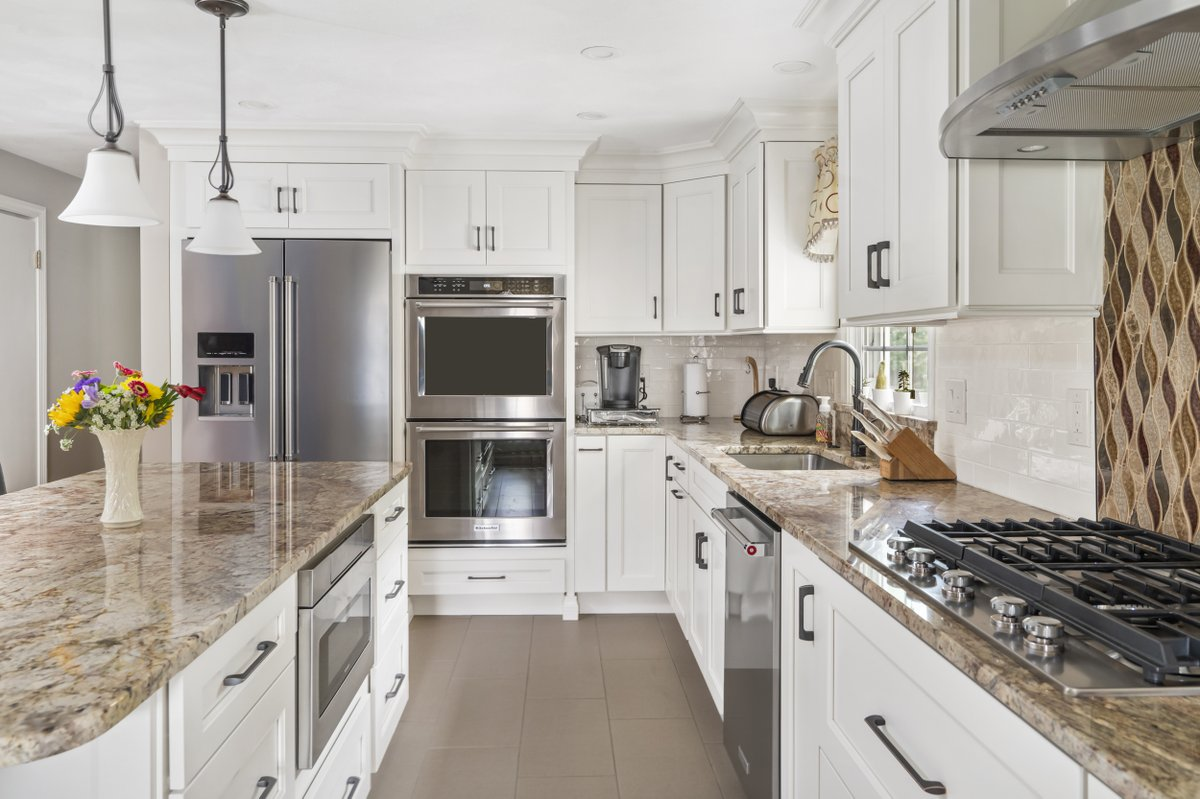 Kccne On Twitter Attleboro Ma Kitchen Featuring Shaker Doors With A Coconut Finish Typhoon Bordeaux Granite Countertops Chimney Hood Double Ovens Porcelain Tile Floor And 2 8 Tile Backsplash With Accent Tile Over