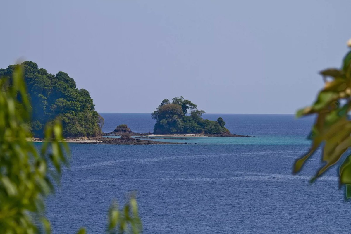 Coiba Island is the largest island in Panama and all of Central America. #vacation #travelmore  http://cpix.me/a/90716888pic.twitter.com/k7O5P7vL5F