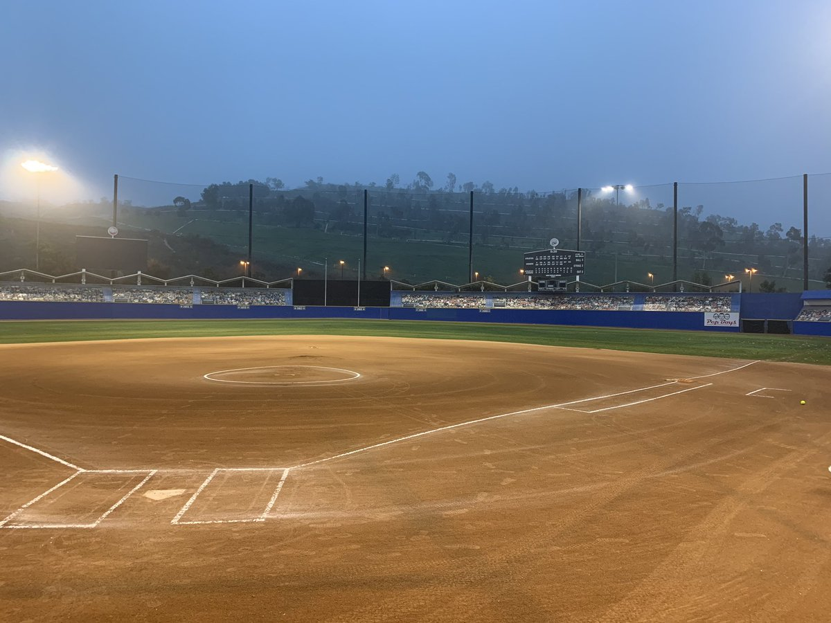"""When you are at """"Dodger Stadium"""" but not really at Dodger Stadium way too early in the morning on a Sunday it has to be Tournament time. pic.twitter.com/okOAIzDP1I"""