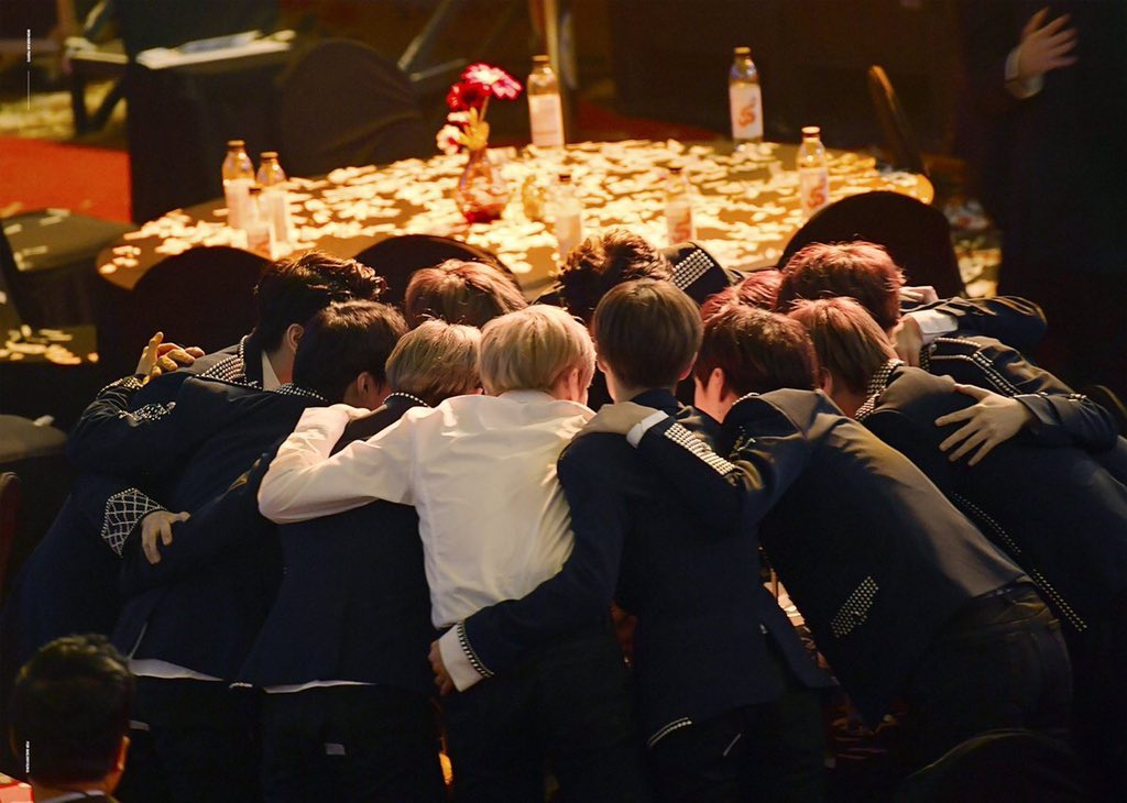 #OurDestinyForever_WannaOne #Therefore_Still_WannaOne #Therefore_we_are_still_one #영원히_빛날_기적의_별pic.twitter.com/uMYU6xP9O5
