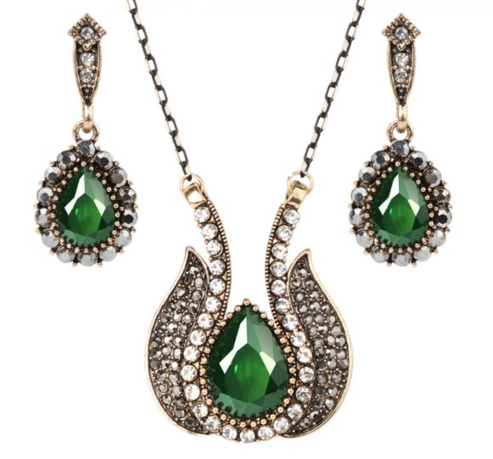 Women's Enchanted Flower Necklace and Earrings Set #food #tflers https://prettyvintagestuff.com/womens-enchanted-flower-necklace-and-earrings-set/…pic.twitter.com/yvwLmTclnB