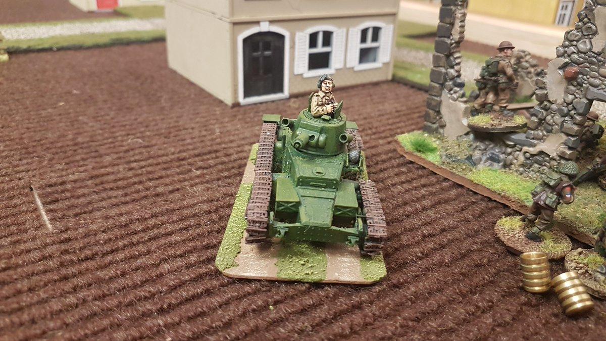 British Matilda Mk 1 engages enemy infantry <br>http://pic.twitter.com/HtMNLEHIRy