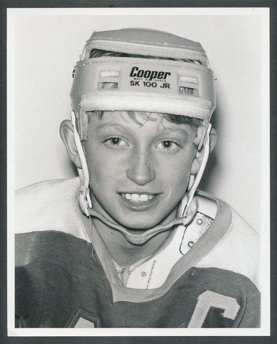 Happy Birthday Wayne Gretzky!  9 9