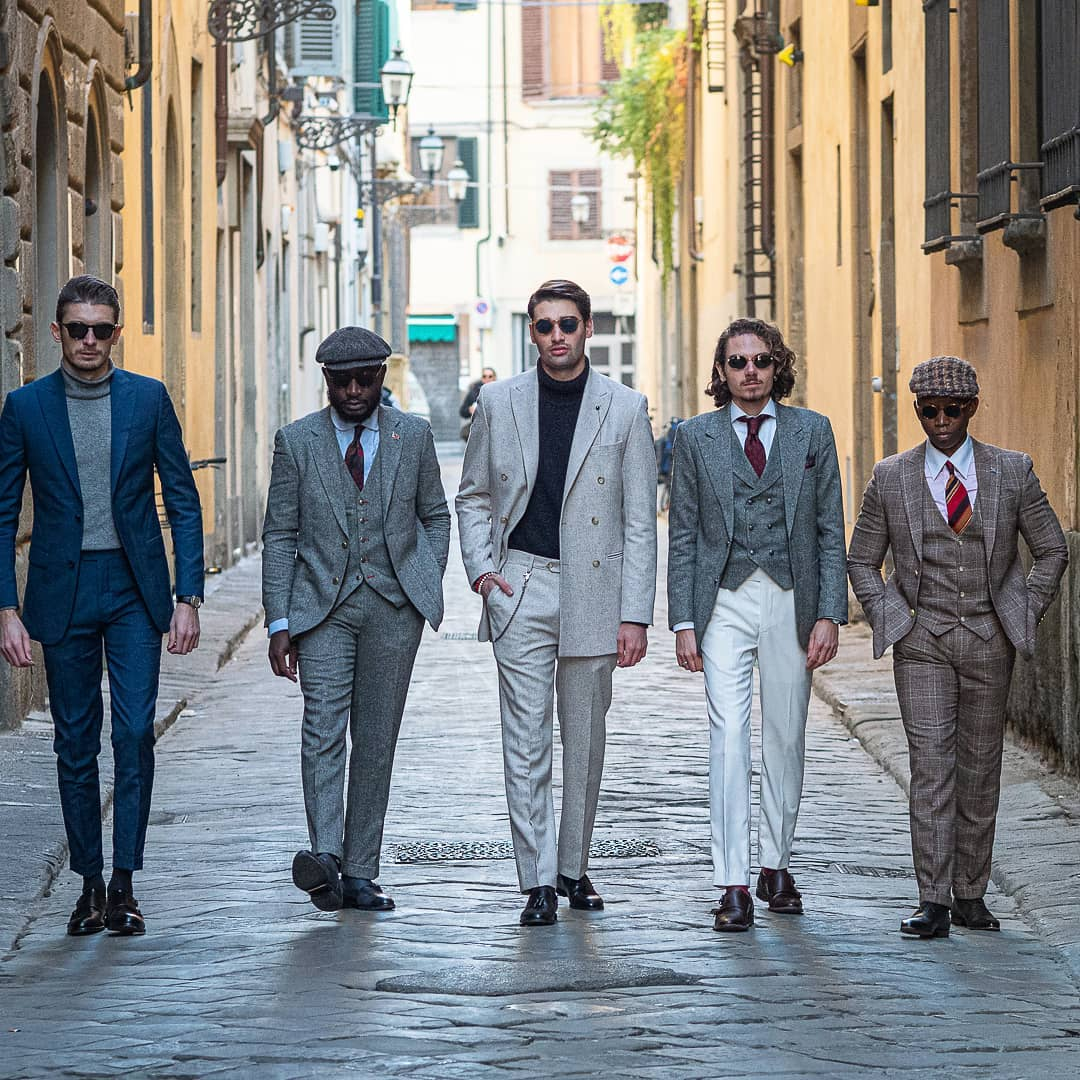 Hockerty dressed the most stylish gang in Pitti Uomo 97 #pu97.  Copy their looks at http://Hockerty.com . (Here you have some extra help to steal the exact outfits and personalize them: https://www.hockerty.com/en-us/blog/pitti-uomo …)pic.twitter.com/VbtbXBQksc
