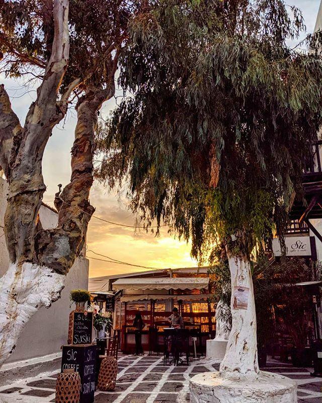 Mykonos at night ♥️ ift.tt/2tRu0XS