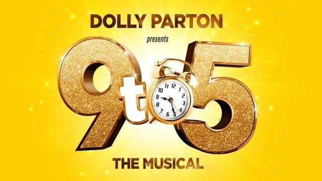 We picked up last minute tickets on Friday night for #9to5musical @SavoyTheatreLdn. It was amazing fun! Staring #David #Hasselhoff who was a great sport!  #dollyparton #musicaltheatre pic.twitter.com/pLibbruCZw