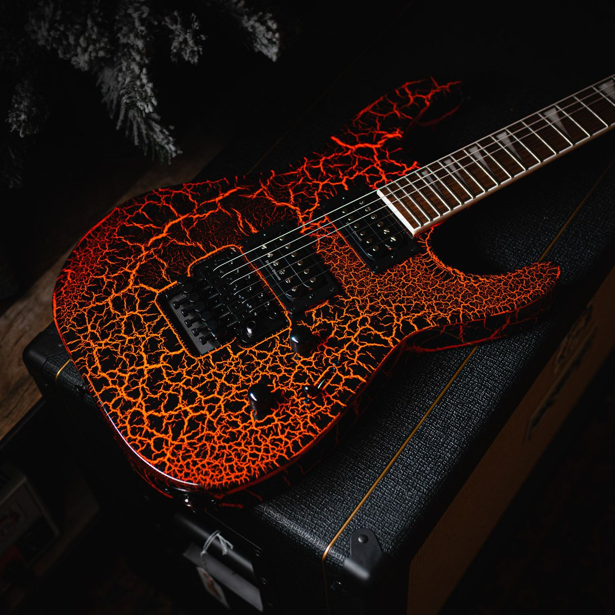 The guitar is lava! http://bit.ly/30w04wa #chicagomusicexchange #jackson #xseries #soloist #slx #neonorangecrackle #gearwire #gearybusey #guitarspotter #guitarphotography #guitarsdaily #tonemob #knowyourtonepic.twitter.com/ko8rCNgjze