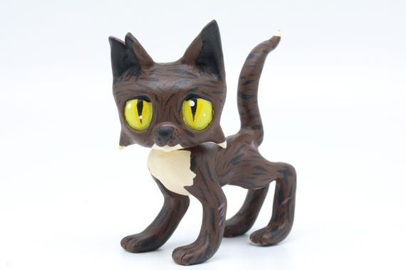 Tigerstar Warrior Cats LPS Littlest Pet Shop Clay Custom Bobble Head Figure With Gift Box by CustomsWarrior Just for you #giftshop #customshop #lpscustom https://etsy.me/2Rt2RSF pic.twitter.com/BZ48Mqa2bW