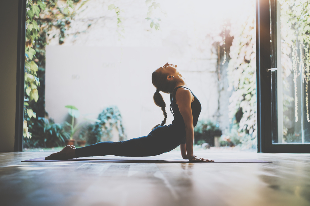 Upward facing dog pose in yoga has so many benefits: Improves posture Strengthens the spine, arms+wrists Stretches chest, shoulders+abdomen Firms gluteal muscles More information on how to perform the pose here bit.ly/2RT7hma #yoga #stretching #exercise #SundayThoughts