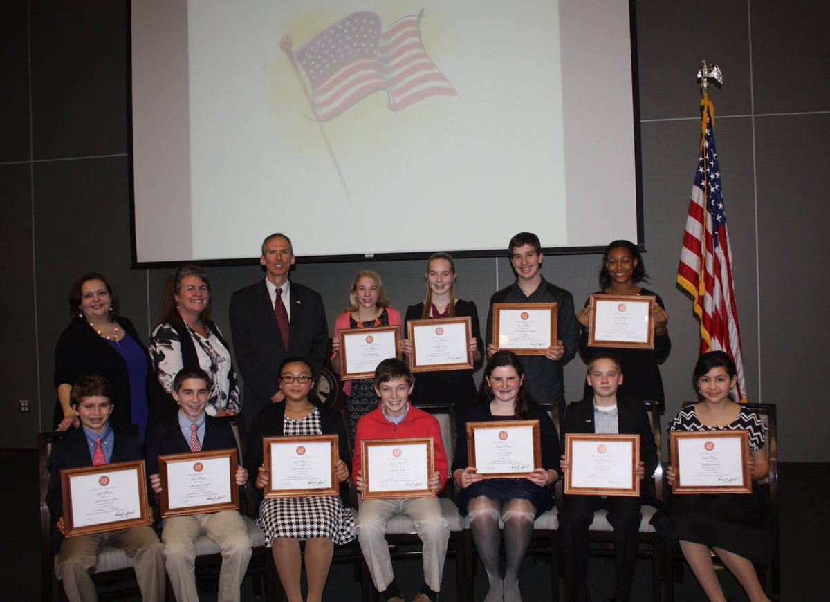 The All American Boy & Girl Program is a great tradition in #IL03 that counts several civic & business leaders among its alums. Applications for interested 7th & 8th grade students are due January 31st at my Chicago office. Call 773-948-6223 for more information. Best of luck! <br>http://pic.twitter.com/RscWRFJzC2