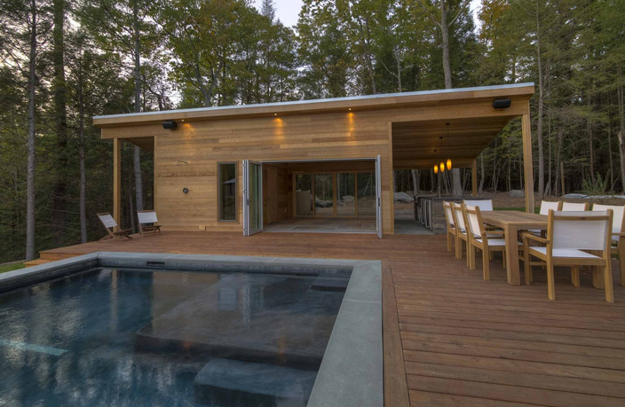 Create a landscape that's modern yet natural. Our landscape architect shares how to merge contemporary architecture with the great outdoors. http://bit.ly/2LPslYx  #pools #swimmingpool #swimming #outdoorliving #outdoorlive #landscapearchitecture #neavegrouppic.twitter.com/x1Kpavqy67