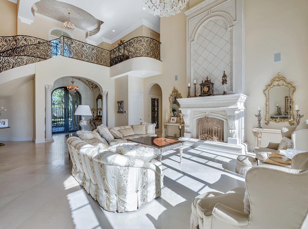 The Palm Beaches Magnificent Mirasol estate home on a large lakefront lot https://www.luxuryhomemagazine.com/thepalmbeaches/60510… Listed by: Betty Schneider | The Country Club at Mirasol  #luxuryhomemagazine #luxury #home #architecture #design #inspiration #lifestyle #realestate #luxurylife #realtor #floridapic.twitter.com/OlssQ63QkW