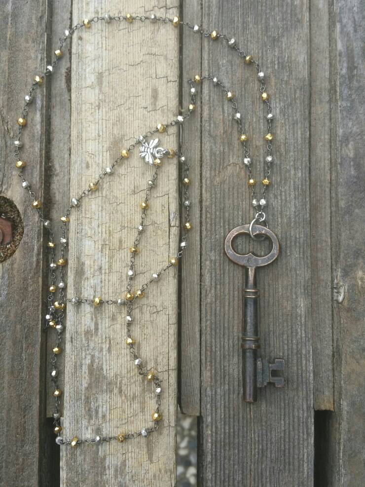 Beaded Layering Chain with Skeleton Key / Key Pendant / Key Jewelry / Vintage Jewelry / ...: Beaded Layering Chain with Skeleton Key / Key Pendant / Key Jewelry / Vintage Jewelry / Steampunk Jewelry / Layering Necklace / Beaded Chain http://www.necklaceday.com/details/48566/beaded-layering-chain-with-skeleton-key-key-pendant?utm_source=dlvr.it&utm_medium=twitter…pic.twitter.com/ITvOvDb1U7