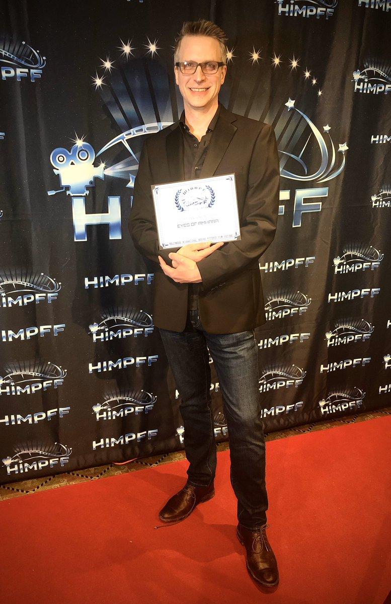 On the red carpet! #documentary #awardsseason #HIMPFFpic.twitter.com/BPh1PHhAIn