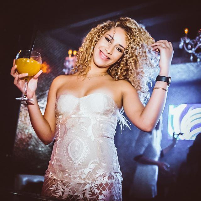 Sweet & Sour. @titos_mallorca • • • #finestclubs #finestplaces #finestpeople #luxurylifestyle #luxuryevents #concierge #hedonism #luxurylife #luxurytravel #luxuryexperiences #summer2019 #luxuryexperiences #mallorca #luxurydestinationspic.twitter.com/VrzbMyJFDU
