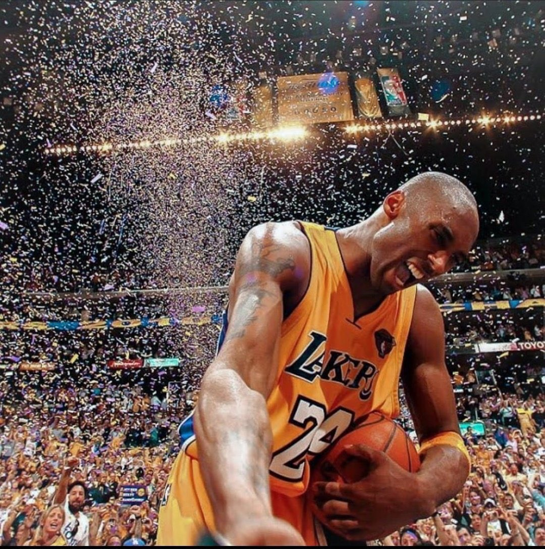 True leyend. Hard to believe. We will miss you, Kobe. 😢🙏🏀💔