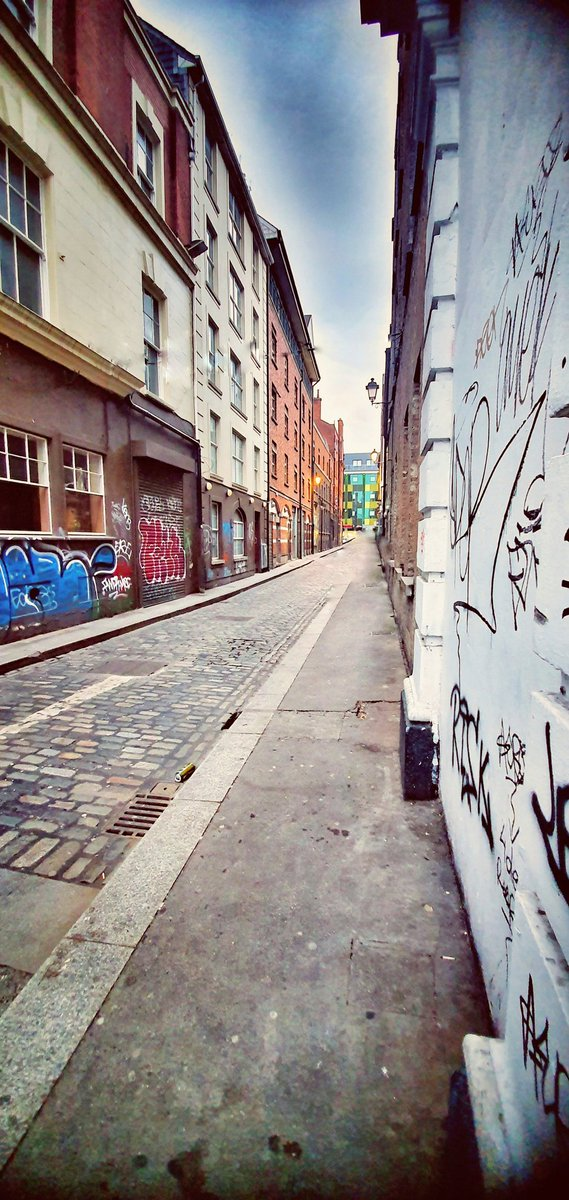 The road was new to me, as roads always are, going back... #kzs_photography #kzsphotography #sidewalk #graffito #street #building #architecture #city #travel #town #wall #urban #houses #road #window #tourist #sandals #bracelet #supper #igersitaly #insta_shot #dublin #irelandpic.twitter.com/z3UXZ85m2F