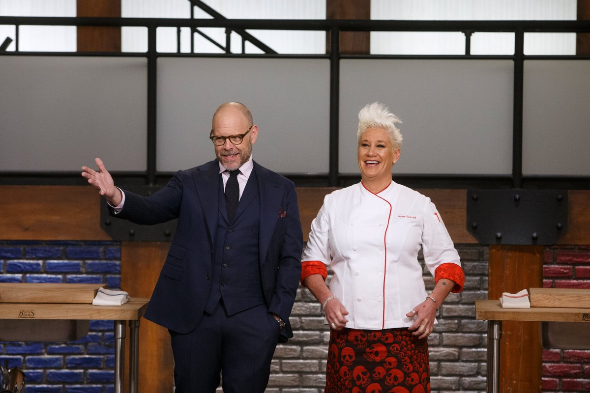 Boot Camp is BACK for another week of hijinks and cooking disasters! An all-new #WorstCooks starts NOW!<br>http://pic.twitter.com/psONmx2jl8