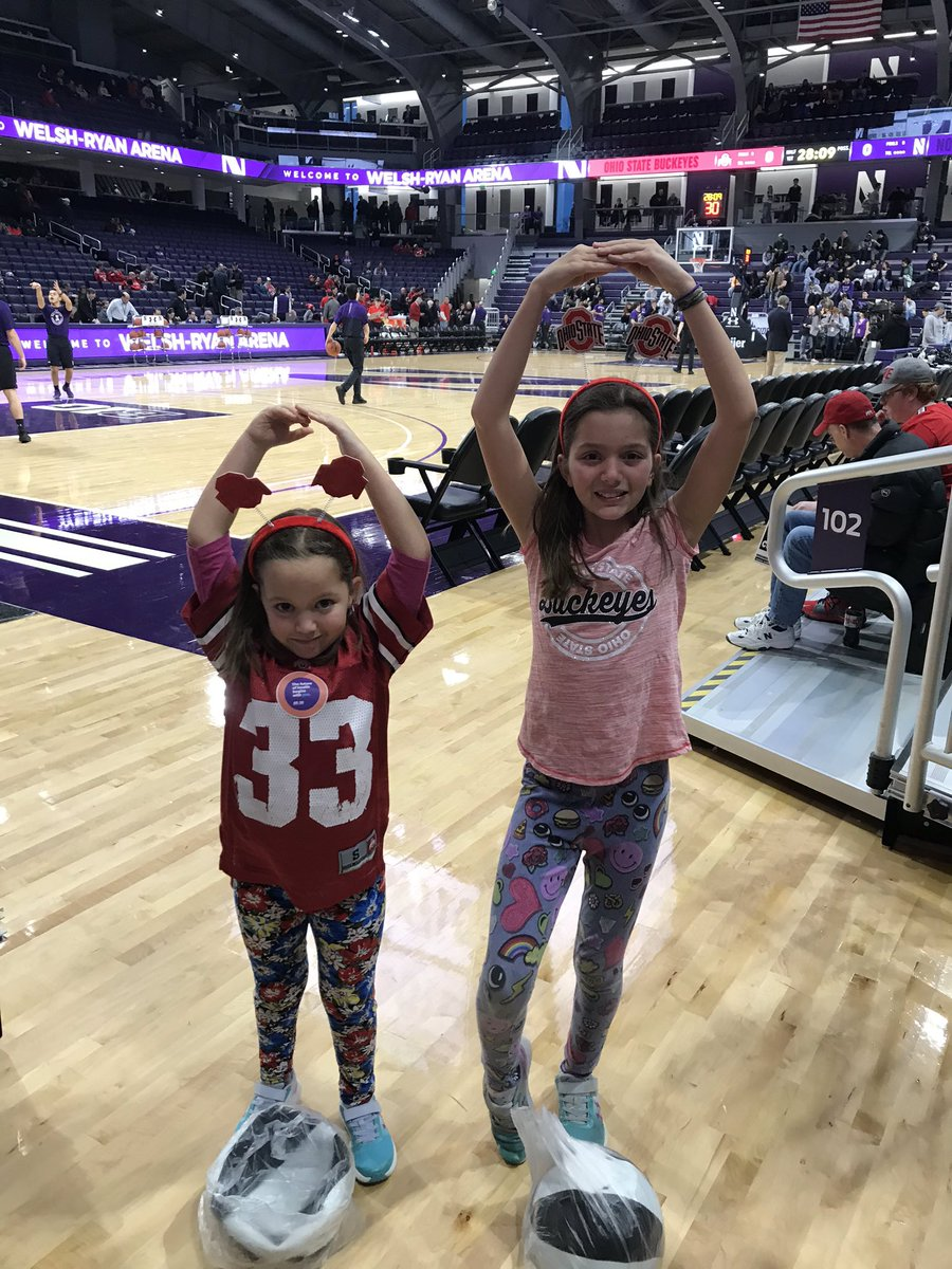 @OhioStateHoops My girls loved their first #Buckeyes hoops game!!