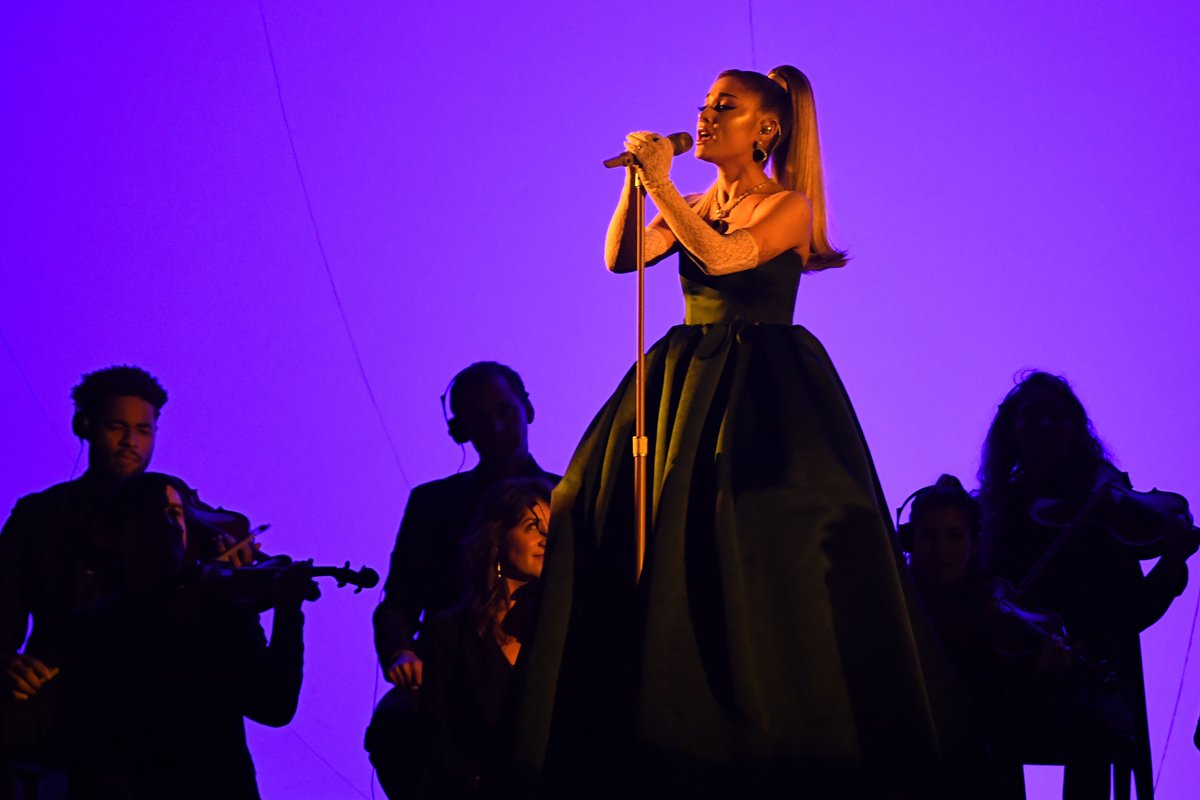 mtv on twitter we wanted a powerful arianagrande performance and we got it grammys powerful arianagrande performance
