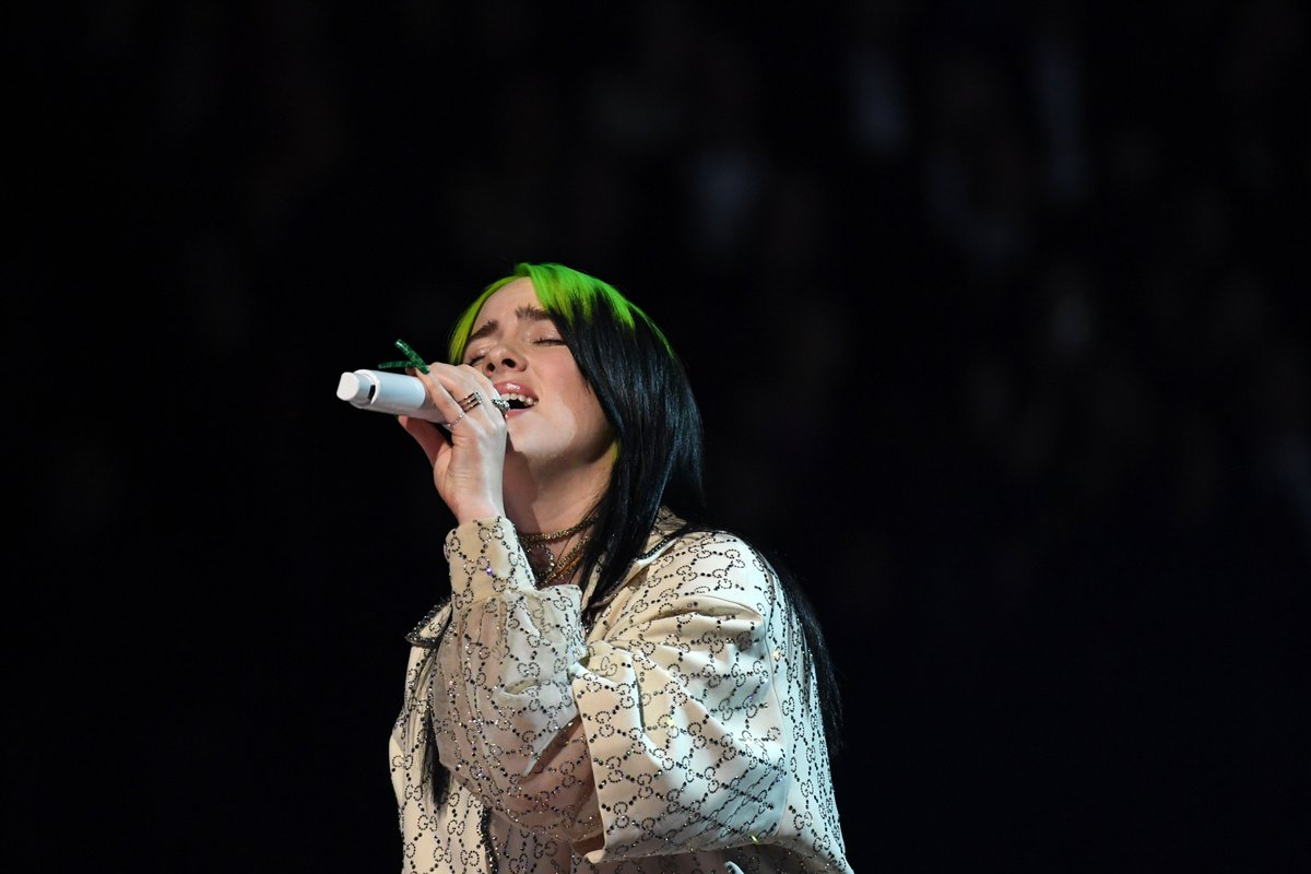 Watch @billieeilish perform at the #Grammys trib.al/HH9QJHd