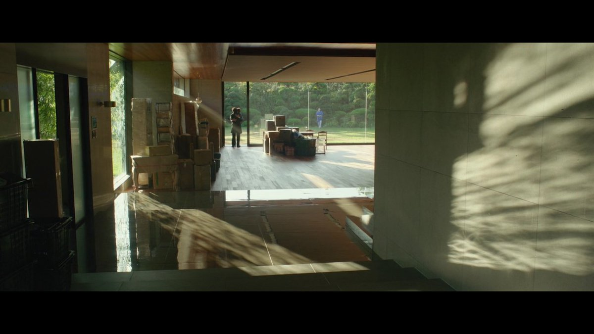 2. Parasite (Gisaengchung) - South Korea, Dir: Bong Joon Ho  There's always going to be a rich family living in the mansion, someone in the basement, and someone dreaming of taking them out (but never actually doing it). It's a never ending circle. pic.twitter.com/nHBb2LGHPf