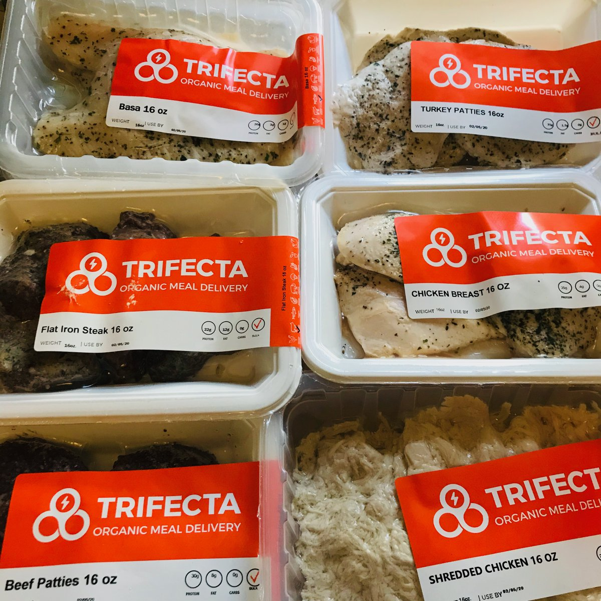 Last chance for 40% off & FREE chicken for life from @TrifectaSystem .  Use code: 2020Chicken   :-) Check it out:   https://trifectanutrition.com/lmwbxr #mealPrep,#cleaneating,#GRAMMYs  ,#weekend,#sale,#fitspo,#HealthyLivingpic.twitter.com/MbS46jGxj6