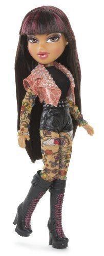 @MattMaeson said steven tyler looked like this bratz doll lmaoooo