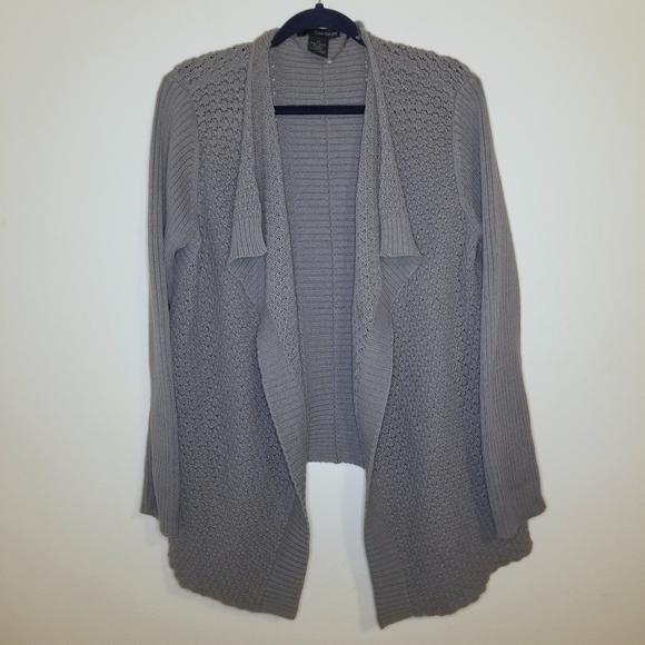 So good I had to share! Check out all the items I'm loving on @Poshmarkapp from @darkknightmegan #poshmark #fashion #style #shopmycloset #calvinklein #connectedapparel #disney: https://posh.mk/Zxt2pEsEk3pic.twitter.com/SudbT5SpyS