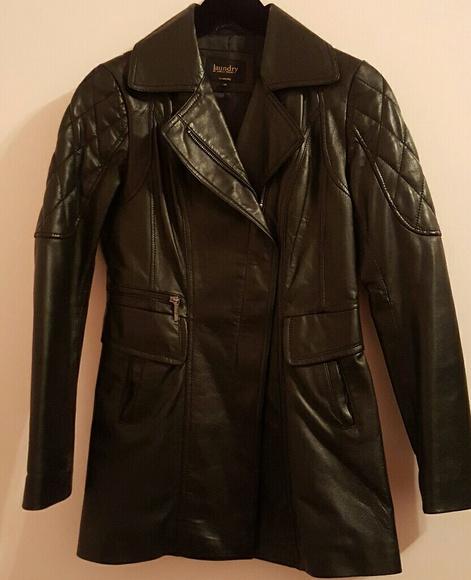 So good I had to share! Check out all the items I'm loving on @Poshmarkapp from @TakeThisDeal #poshmark #fashion #style #shopmycloset #laundrybyshellisegal #blackrivet #calvinklein: https://posh.mk/JouFLgC5f3pic.twitter.com/O8L9KZmt2z