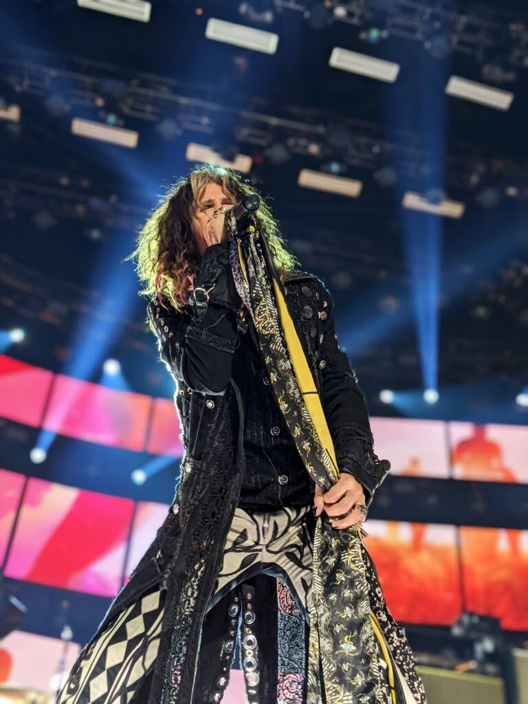 MusiCares 2020 Person of the Year is also celebrating their 50th year as a band at the #GRAMMYs. Give it up for @aerosmith 👏👏👏👏 📷on #pixel4