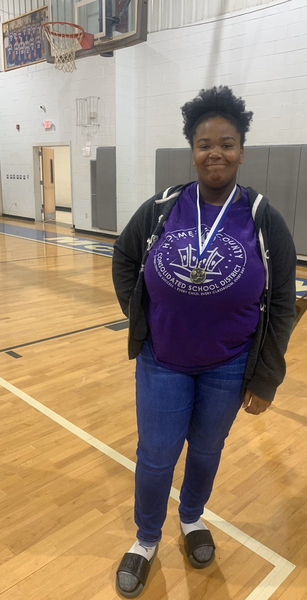In her divisional powerlifting meet Debreyanna Head came in 1st place in her weight class and moves on to compete for a district championship. pic.twitter.com/MOJnrfhsgL