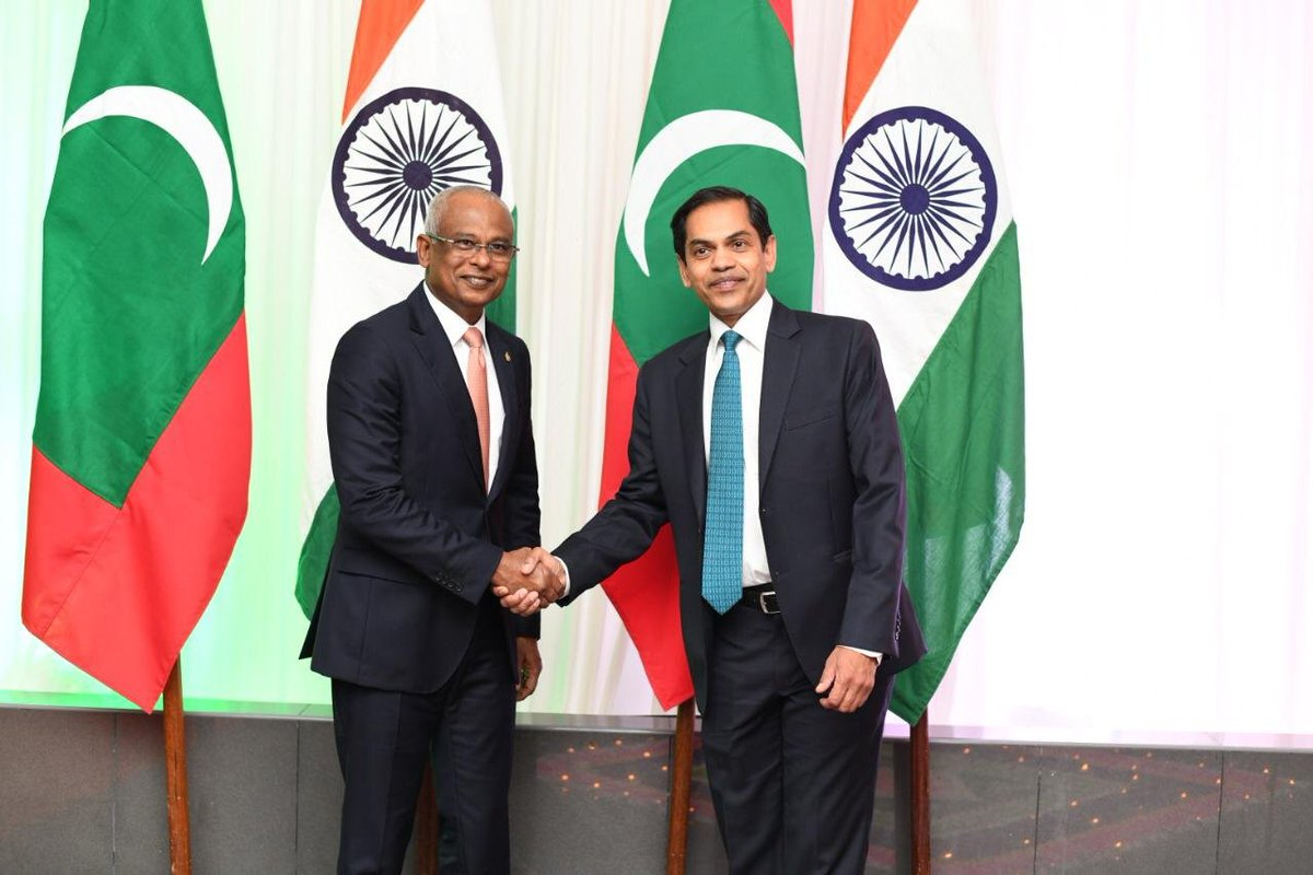 #Maldives President @ibusolih, parliament speaker @MohamedNasheed, foreign minister @abdulla_shaheed and defense minister @MariyaDidi were among the dignitaries present at reception organised by Indian embassy in Male last evening to mark 71st #RepublicDay celebrations pic.twitter.com/WAoEeiSiVU
