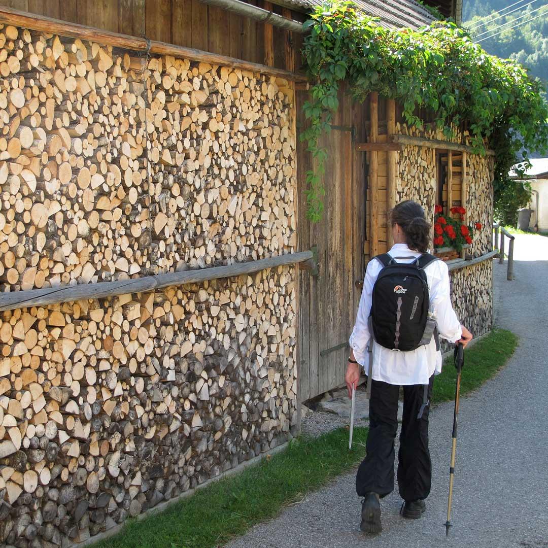 Exploring the Austrian Lake District and Dachstein Alps... http://ow.ly/LN7y50y2UXz #mondaymotivation #dachsteinalps #feelaustria #visitaustria #mountainair #walking #exploremore #stayactive #adventuretravel #hikeformentalhealth #sherpaexpeditions #mountainsforthemindpic.twitter.com/hjMWIor968