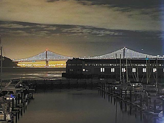 See ya later San Fran! . . . #baybridge #sanfrancisco #sanfran #sfca #bridge #bridges #sfbayarea #longexposure #nightphotography #nightphoto #nightphotospic.twitter.com/fg9sDgh8RW