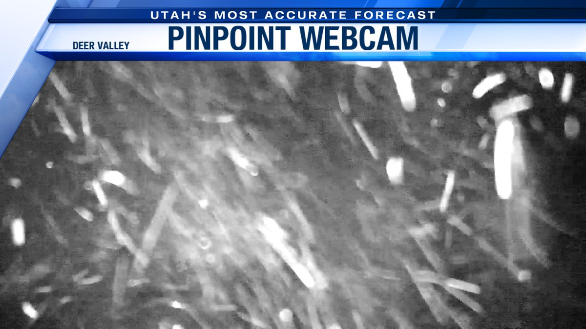 """During this peak time of snowfall, the snowfall rate could be 2"""" Nuking at @deervalley right now. The average will be 1"""" an hour in the high country through 4am.   @abc4utah #utwxpic.twitter.com/cCw6VPRkK4"""