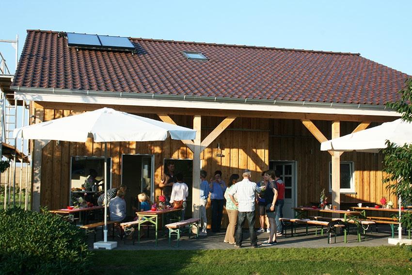 Bauernhof ID 398 in Syke Hoope. Wir sind ein kleiner Bauernhof am Rand von Syke bei Bremen. In unserem Betrieb halten wir 340 Hühner zur Eierproduktion und mästen ca. ... - Bauernhof mit Nutztierhaltung für 12 bis 20 Personen in Syke Ho https://www.bauernhof-urlaube.de/398.htmlpic.twitter.com/sHX0H0iVhM