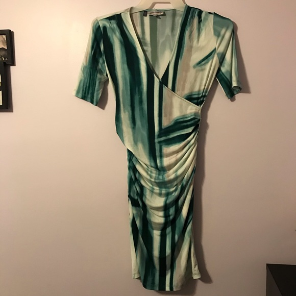 So good I had to share! Check out all the items I'm loving on @Poshmarkapp #poshmark #fashion #style #shopmycloset #jenniferlopez #levis #nike: https://posh.mk/uSrCOoMHe3pic.twitter.com/kC2czQkFj3