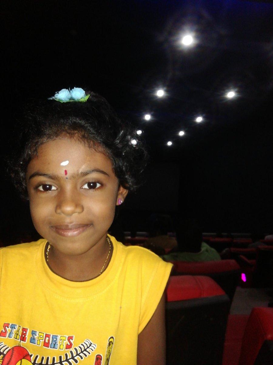 @rajinikanth sir my daughter want act ur movie 7 years old pic.twitter.com/QNzlLOdXor