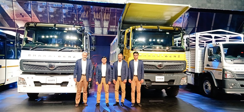 Daimler India Commercial Vehicles unveils portfolio of BS 6 trucks & buses. Basis of new CV portfolio to be on 5 pillars of company's ProfitTechnology+ strategy.   @BharatBenz1 @AutoTechReview1 @DaimlerTruckBus #DaimlerTruckBus #DICV #BharatBenz #BS6 #BSVI #ProiftTechnologyPluspic.twitter.com/cVPQATEK95