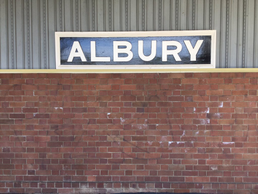 #ThisIsAustralia And again, @MrTimDunn - southbound #XPT arriving from #Sydney into #Albury #NSW today and heading off to #Melbourne ... and I know you love a video, Tim, so that's to come #InterCity125pic.twitter.com/pQrv6WCiJF
