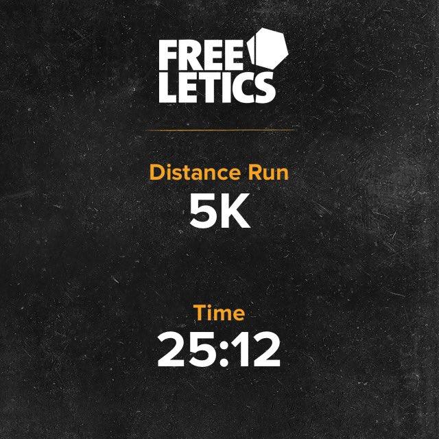 Termine mi entrenamiento con 5K de Running. La verdad que para lo poco que me gusta correr no está nada mal. Hace un par de meses no sería capaz mentalmente de hacerlo. Hoy lo hice. pic.twitter.com/jPiBUPxrgl