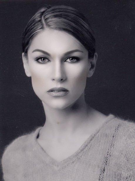 MODEL: Irina Alexandrovna Troian PHOTO: Marco D'Elia MAKE-UP: Massimo Polese #makeup #instamakeup #toptags #cosmetic #cosmetics #fashion #eyeshadow #lipstick #gloss #mascara #palettes #eyeliner #lip #lips #tar #concealer #foundation #powder #eyes #eyebrows #lashes #lash #gluepic.twitter.com/WhqJaoZrsZ