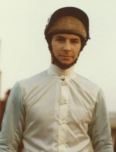Well To Do, backed down from 33/1 to 14/1 overnight, won the 1972 Grand National and was the mount of Graham Thorner, the (then) current reigning champion. Graham was born On This Day 27th January 1949 pic.twitter.com/BzCy1Tftt5