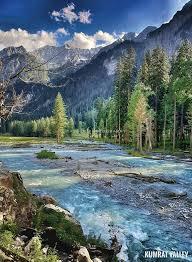 These are real scenes, #kumratvalley Dir Upper  @Amazing_pk  @whatsupPakistan @Pakistaninpics  @kptourism <br>http://pic.twitter.com/SZqorH0Id9