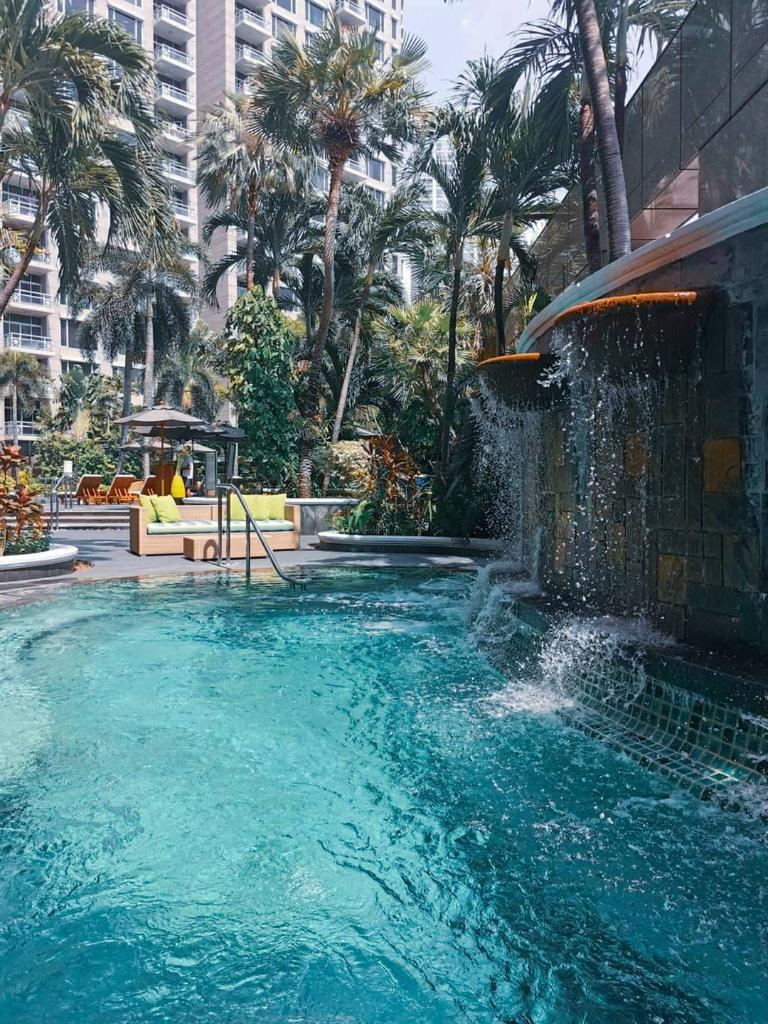 Pool time is the best time! Surrounded by a lush tropical garden, our temperature-controlled free-form swimming pool is a secluded oasis where guests can escape the city and experience total relaxation. 🌞🏊🏻⛱🌳 #ConradBangkok #ConradHotels #StayInspired #CuratedbyConrad https://t.co/4J8HNVIit3