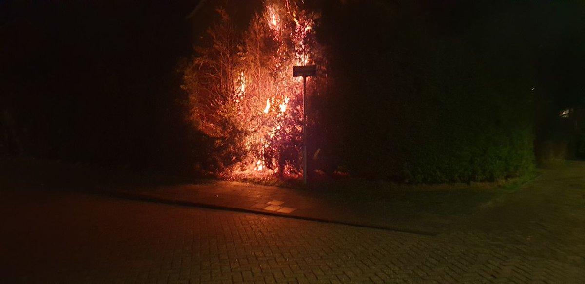 Twee personen van 13 en 14 aangehouden op verdenking van brandstichting in #drachten..