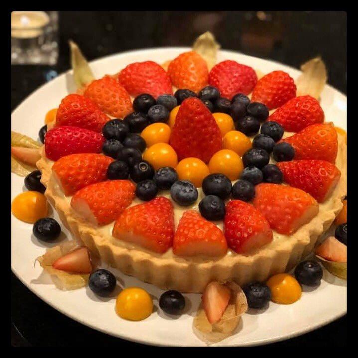 Fruit custard tart #vegan #organic #veganism #veganfood #veganuk #plantbased #dairyfree #nutrition #compassionateeating #whatveganseat #healthy #healthyeating #foodporn #vegetarian #animalfree #EatForThePlanet #food #poweredbyplants #veganfood #veganfoodshare #eatlikeyougiveafuckpic.twitter.com/2JeVvq1jTe