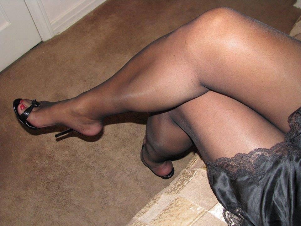 Woman legs dark nylon pantyhose stock illustration