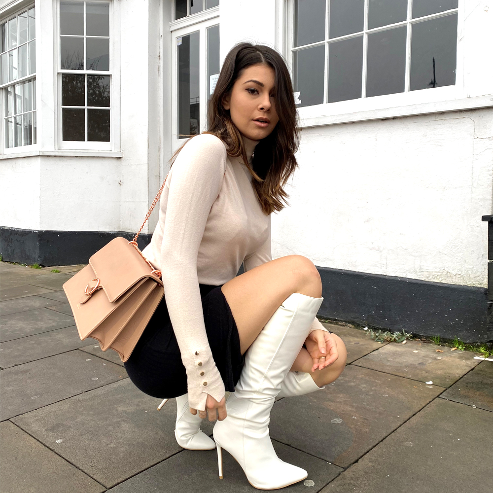 We've got you covered with the most gorgeous knee high boots this winter Nora http://xylondon.com  @themilliecooper  . . . . . #white #boots #fashionblogger #highheelboots #stilettos #bloggerstyle #winterlook #girlsnightout #datenight #thursday #outout #heeledbootspic.twitter.com/qwROh9nRrO